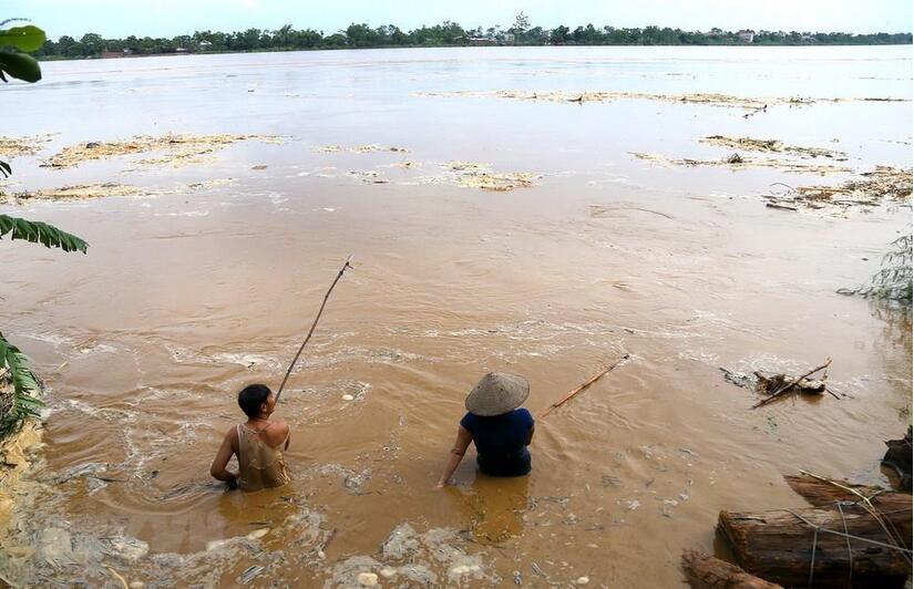 Người đàn ông đã bị nước cuốn trôi mất tích khi đi rà cá