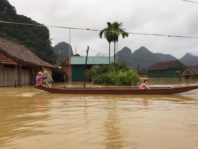 11 người chết và mất tích do mưa lũ tại các tỉnh miền Trung