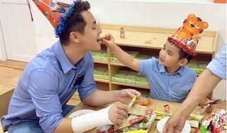 Đăng Khôi lộ cánh tay băng bó trong ngày tổ chức sinh nhật cho con trai