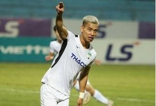 HLV Park Hang Seo khuyên Văn Thanh đi gặp bác sỹ sau trận thua Viettel