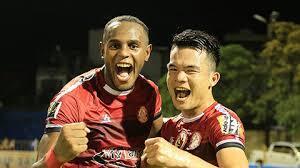 CLB TP.HCM bị phạt tiền và mất cầu thủ sau trận thua Hà Nội FC