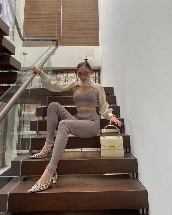 Nhờ chồng chụp ảnh nhưng thành quả khiến Tóc Tiên 'khóc thét'