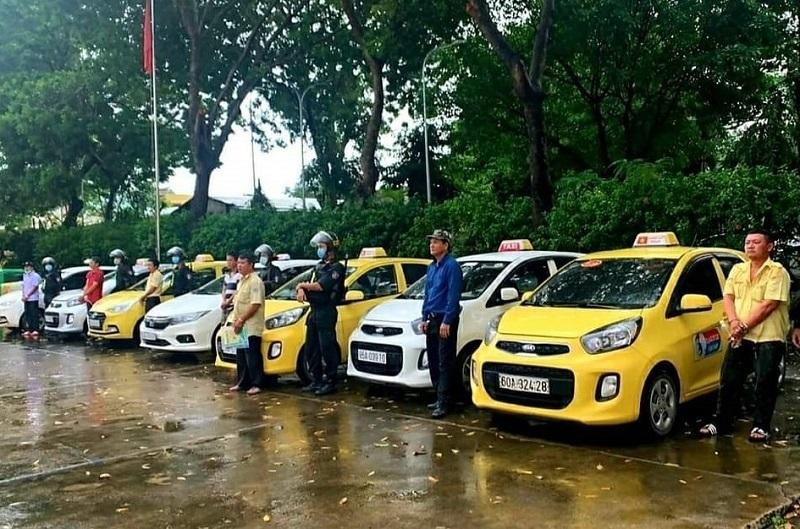 Bắt các tài xế taxi ở Đồng Nai hỗn chiến vì tranh giành khách trước bệnh viện