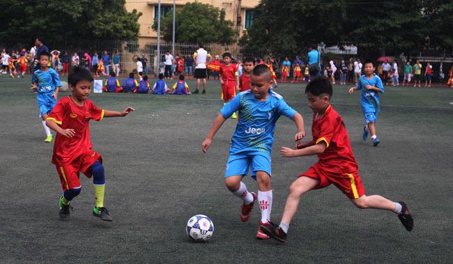300 học sinh tham dự Giải bóng đá chào mừng Kỷ niệm 1010 năm Thăng Long - Hà Nội