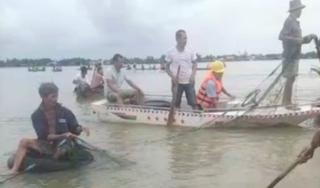 Ra bờ ruộng chơi, 2 học sinh ra ở Quảng Nam bị lũ cuốn tử vong