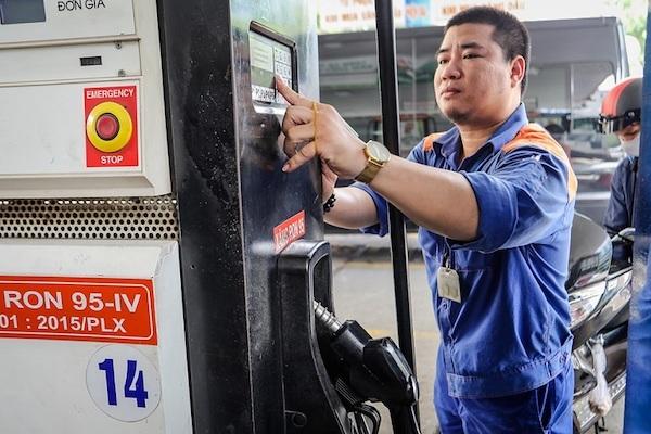 Giá xăng tăng nhẹ sau 2 lần giảm liên tiếp
