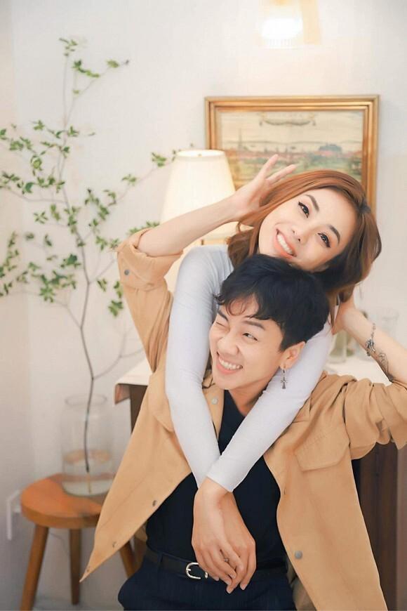 Bạn trai chuyển giới của Miko Lan Trinh được mẹ ủng hộ đi phẫu thuật cắt ngực