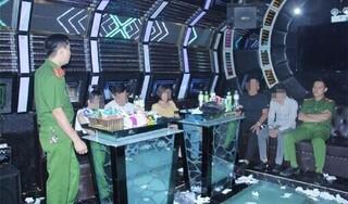 Bắt quả tang 12 thanh niên đang sử dụng ma túy trong quán karaoke
