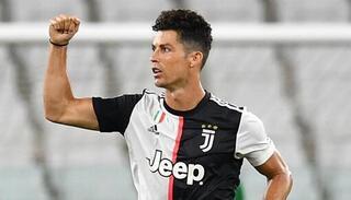 Siêu sao bóng đá Cristiano Ronaldo dương tính Covid-19