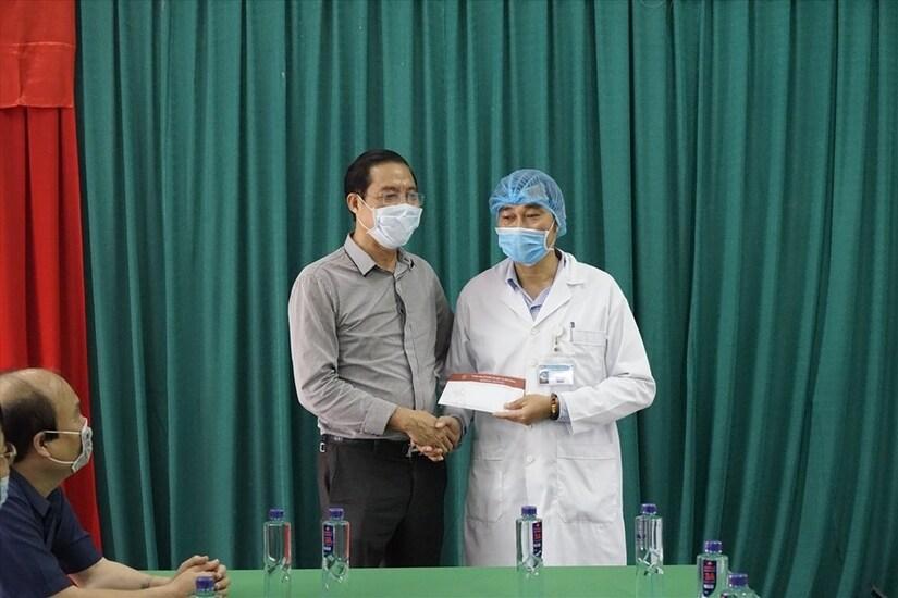 Sao Việt cùng nhiều doanh nghiệp kêu gọi ủng hộ miền Trung
