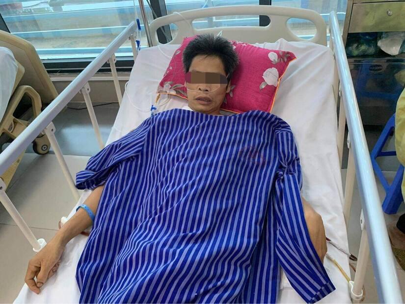 Người đàn ông bị đa chấn thương, tình trạng nguy kịch sau khi ngã từ trên cây hồi xuống