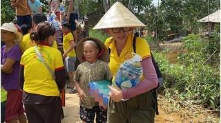 Bỏ qua lời van xin, Trang Trần quyết truy lùng antifan mỉa mai việc từ thiện