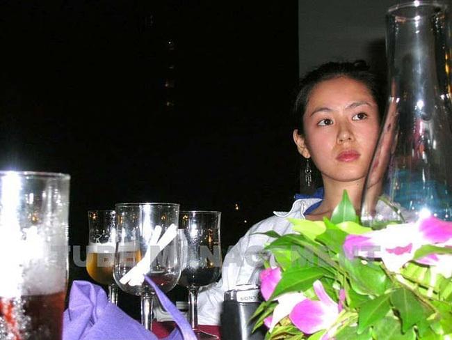 Mặt mộc tự nhiên chụp thiếu ánh sáng của Son Ye Jin bất ngờ gây sốt trở lại