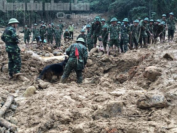 Vụ 13 cán bộ chiến sĩ mất tích trên đường cứu nạn: Tìm thấy 1 thi thể và nhiều vật dụng