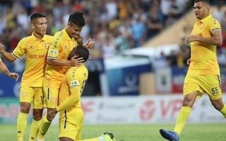 Đánh bại SHB Đà Nẵng, Nam Định sáng cửa trụ hạng V.League