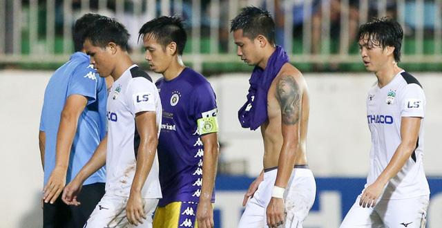Nguyên nhân HAGL thua đậm Hà Nội FC