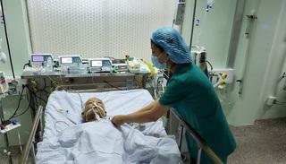 Hơn 2 giờ 'cân cão' cứu sống cụ ông có khối u 'khổng lồ' trong tim