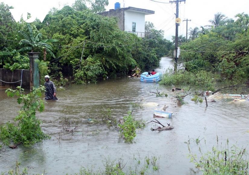 Hôm nay, học sinh Đà Nẵng và Thừa Thiên Huế nghỉ học do mưa bão