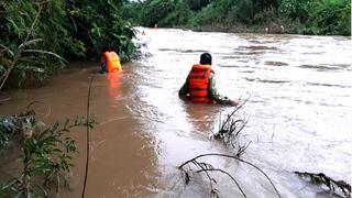 Đi qua đập tràn ở Nghệ An, người đàn ông bị nước cuốn trôi