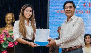 Tỷ phú Johnathan Hạnh Nguyễn trao 2 tỷ đồng hỗ trợ miền Trung