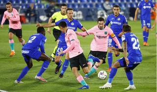 Real Madrid và Barcelona cùng bại trận ở La Liga