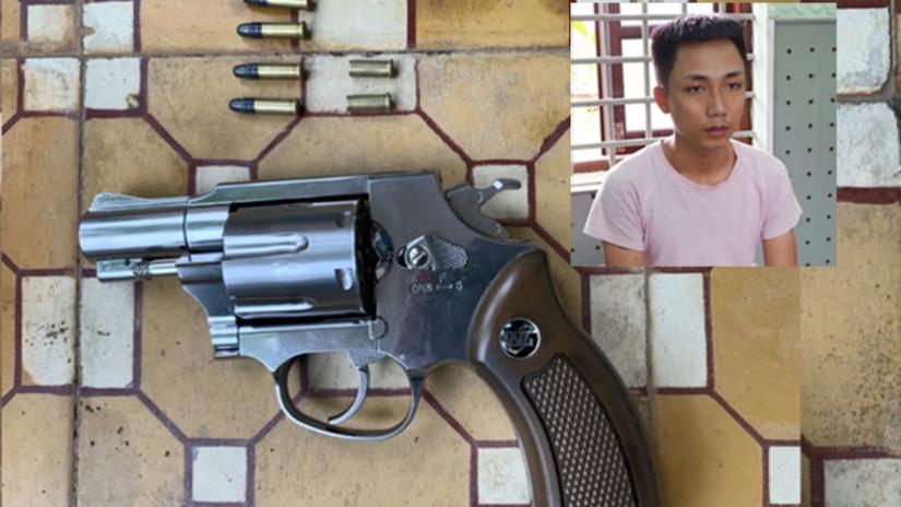 Tạm giam thanh niên rút súng bắn con nợ vì không đòi được tiền