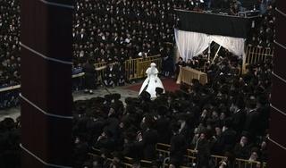 New York chặn đám cưới 10.000 khách vì dịch Covid-19