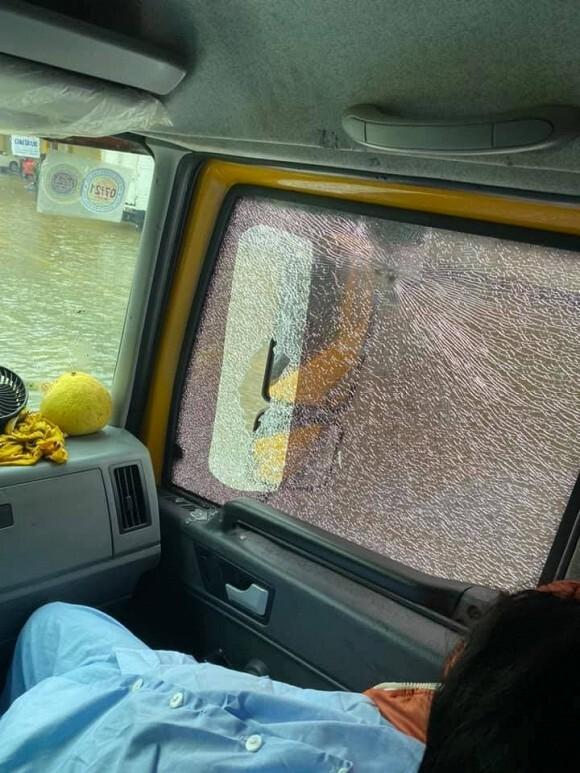Xe của Hòa Minzy bị ném đá vỡ kính ô tô trong lúc đưa sản phụ đi cấp cứu ở Hà Tĩnh