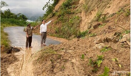 Nghệ An khẩn cấp di dời hàng trăm hộ dân vì sạt lở núi