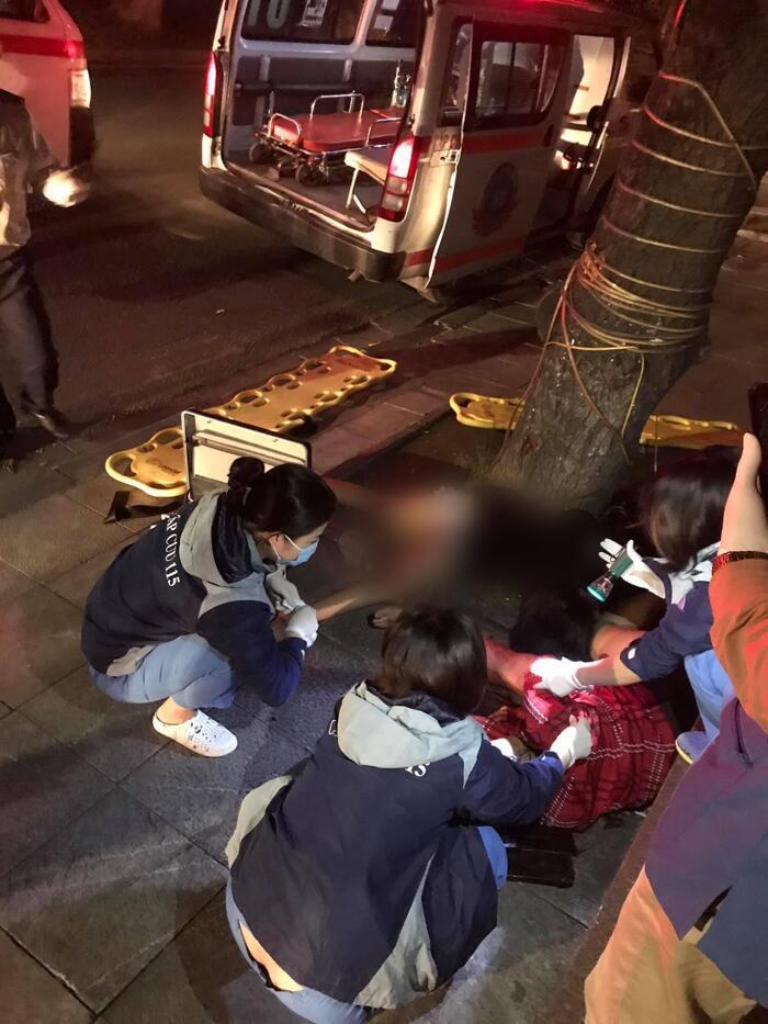 Cô gái tử vong khi lao xe vào gốc cây bên hồ Hoàn Kiếm lúc rạng sáng