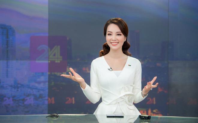 Á hậu Thụy Vân lên sóng VTV, 'đập tan' tin đồn nghỉ việc