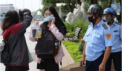 Hà Nội đề xuất 'phạt nguội' người không đeo khẩu trang nơi công cộng