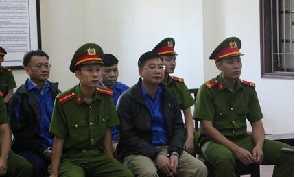 Xử phúc thẩm vụ gian lận thi cử Hòa Bình: Đề nghị triệu tập cục trưởng Mai Văn Trinh