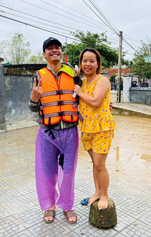 MC Phan Anh bênh vực Thủy Tiên vì có nguy cơ phạm luật khi kêu gọi hơn 100 tỷ cứu trợ miền Trung