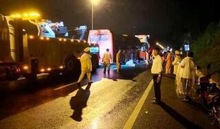 Bắt giam tài xế xe khách tông xe container khiến 2 người tử vong