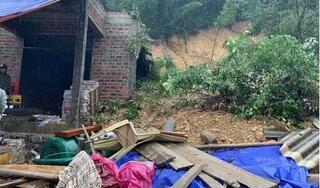 Hàng chục hộ dân ở Hà Tĩnh khẩn cấp di dời vì núi xuất hiện vết nứt lớn