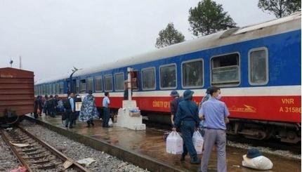 Ngành đường sắt thiệt hại gần 30 tỷ đồng vì mưa lũ miền Trung