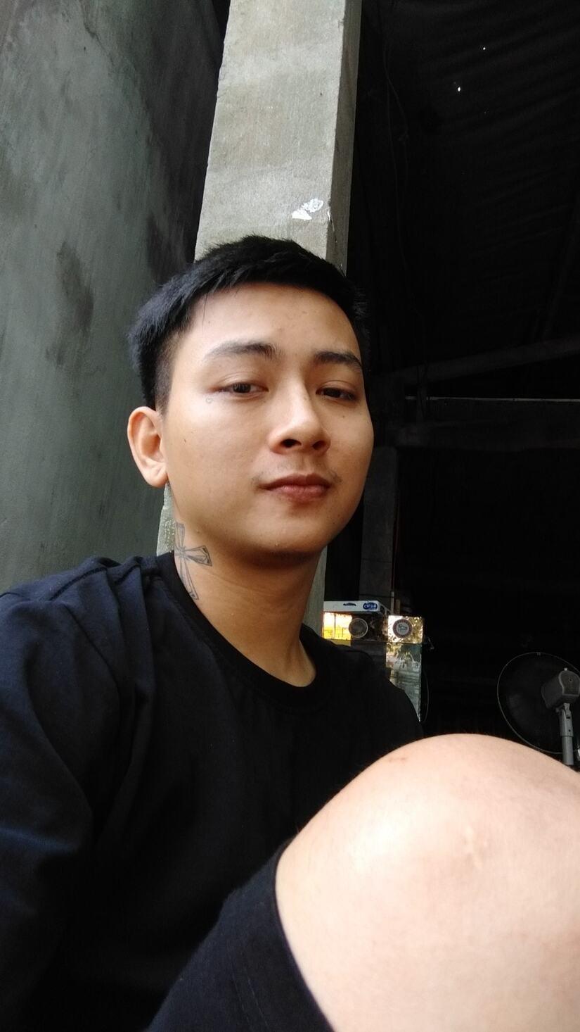 Hoài Lâm bỏ nghệ danh do cha nuôi Hoài Linh đặt, lập nhóm nhạc trở lại showbiz