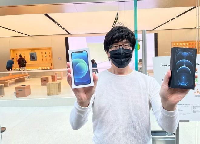 Apple Store vắng vẻ trong ngày đầu tiên mở bán iPhone 12. 2