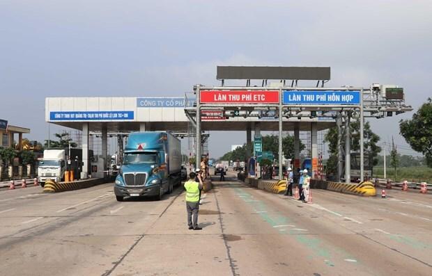 Dừng thu phí BOT Quốc lộ 1 qua Quảng Trị để thông đường cho xe cứu trợ bão lũ