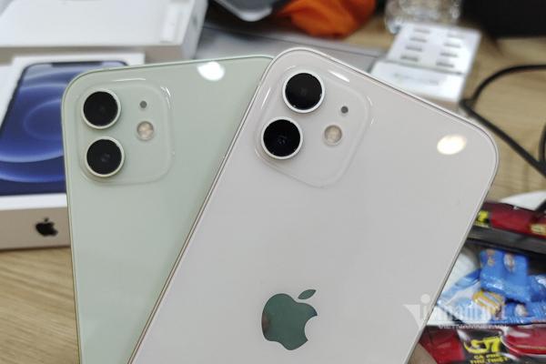 Những chiếc iPhone 12 đầu tiên về Việt Nam, rẻ nhất 23 triệu đồng.4