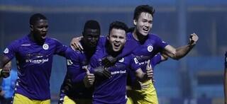Các đội bóng đã 'dâng điểm' cho Hà Nội FC như thế nào?