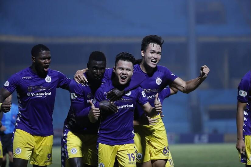 Các đội bóng đã 'dâng điểm' cho Hà Nội FC