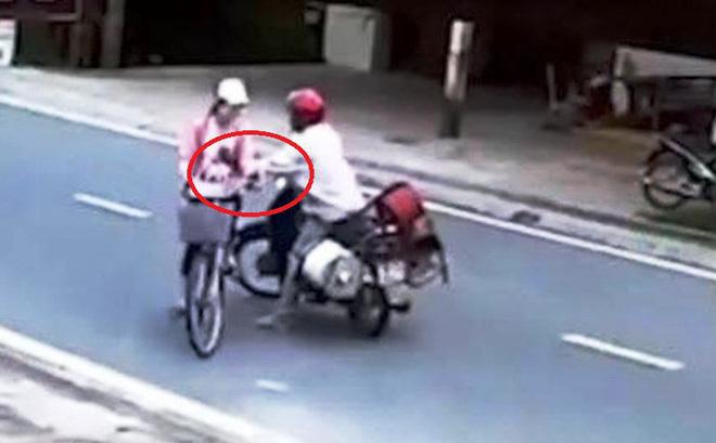 Bắt thanh niên đi mô tô sàm sỡ nữ sinh 13 tuổi đang trên đường đi học về
