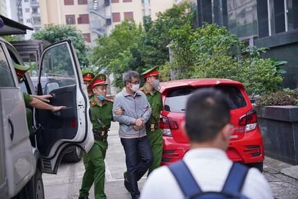 Xử sơ thẩm 12 bị cáo liên quan vụ thất thoát 1.670 tỷ đồng tại BIDV
