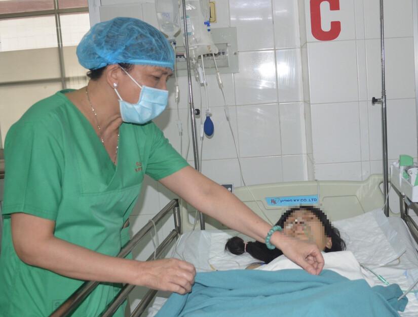 Cô gái trẻ bị container cán qua người, sốc đa chấn thương nguy kịch