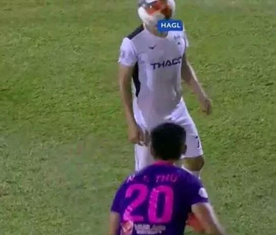 HLV Sài Gòn FC tức giận trước lời chỉ trích của trưởng đoàn HAGL