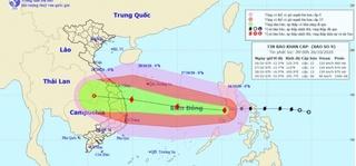 Bão số 9 liên tục tăng cấp, hướng vào Đà Nẵng - Phú Yên