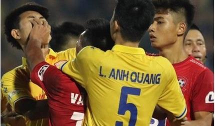 Trung vệ Nguyễn Văn Hạnh: 'Cầu thủ Nam Định đã siết cổ tôi'