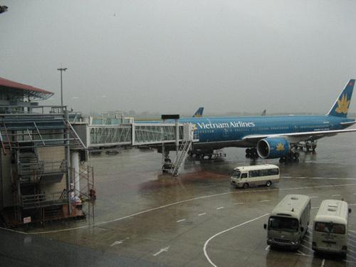 Bão số 9 lớn nhất lịch sử: Hàng trăm chuyến bay bị huỷ.2